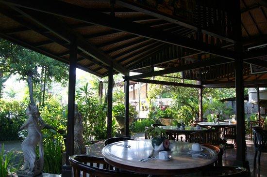 Taman Harum Cottages: the restaurant