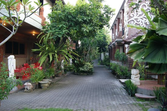 Taman Harum Cottages: the grounds