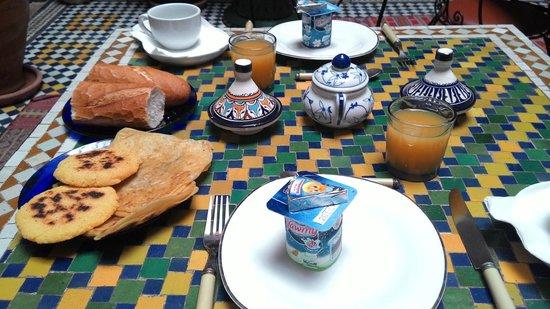 Riad l'Artiste: Breakfast