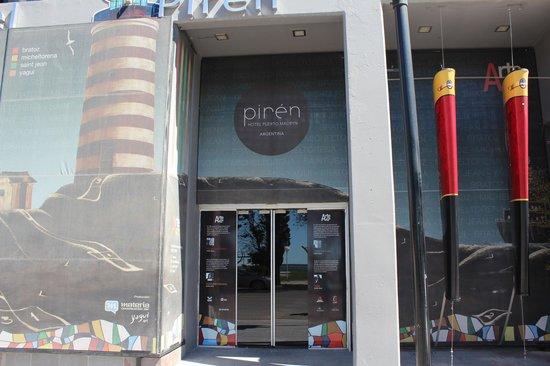 Hotel Piren: entrada del hotel...