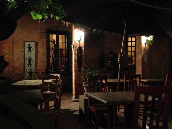 La Boussole Art Café : Yard