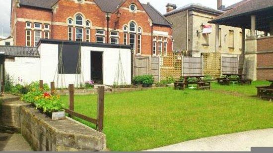 The Market Tavern Stroud: Back Garden