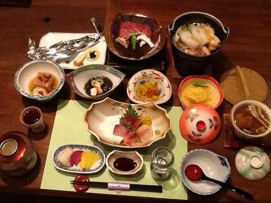 Ryokan Tarobee: 夕食