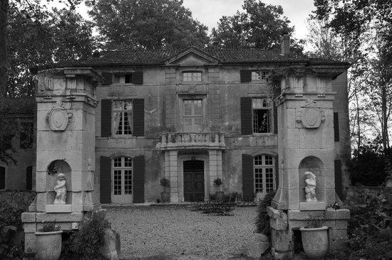 Chateau de Roussan : Chateau Roussan