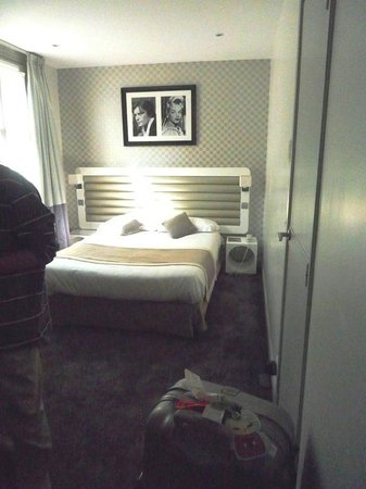 Hotel Icone: Room size is comfortable