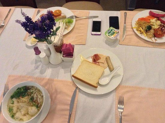 Lavender Central Hotel: Breakfast