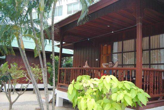 Lamai Coconut Beach Resort: balcon bungalow