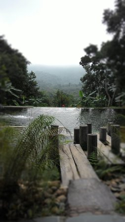 Zen Namkhan Boutique Resort: The most amazing natural swimming pool