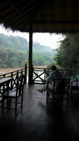 Zen Namkhan Boutique Resort: Relaxing on the lovely big balcony of the Plenitude bungalow