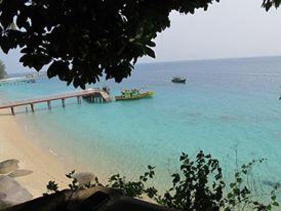Arwana Perhentian Eco Resort & Beach Chalet: view from tuna bay perhentian kecil,superb!