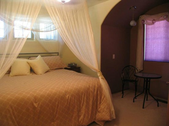Lucinda's Country Inn: Different styles of suites to choose from