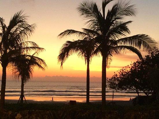 Bali Niksoma Boutique Beach Resort: Sunset at Niksoma