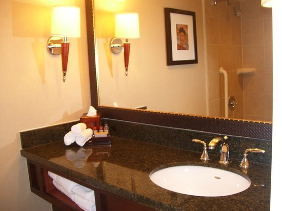 Columbia Marriott: Room 1016 - Bathroom