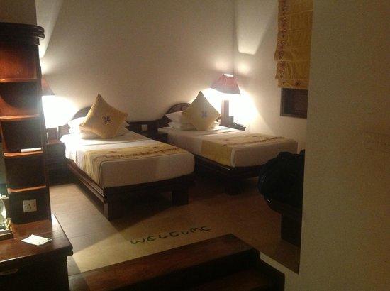 Amaya Lake: beds