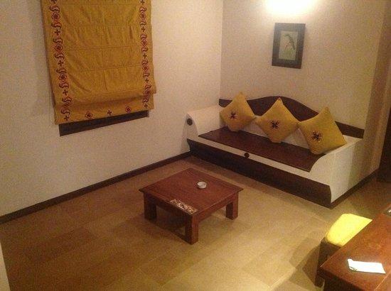 Amaya Lake: living area of the room