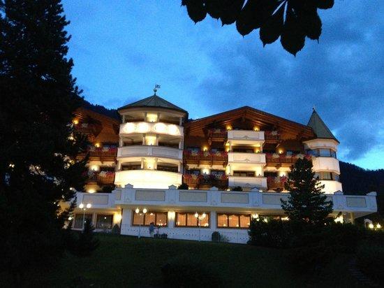 Hotel Gardena Grodnerhof: Vue extérieure