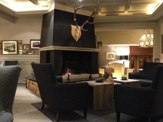 Hotel Gardena Grodnerhof: Lobby
