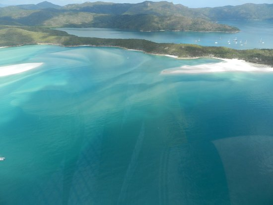 Whitehaven Beach: Looking down over Hill Inlet