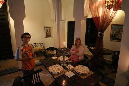 Dar Naima: Diner dans le patio