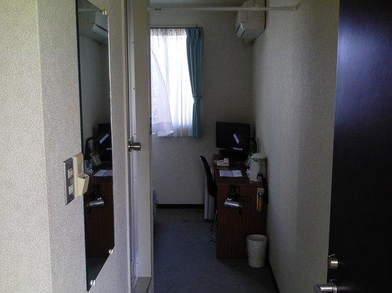 Rakusa Hotel : 部屋入口から