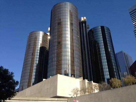 The Westin Bonaventure Hotel & Suites: Vista exterior del hotel