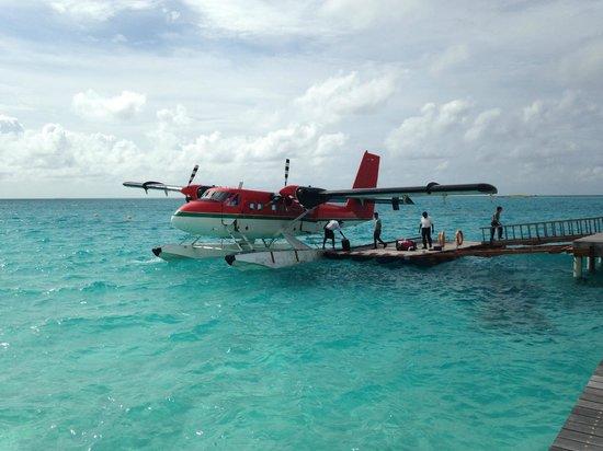 Cinnamon Hakuraa Huraa Maldives: air-taxi