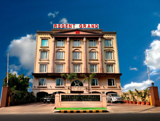 Hotel Regent Grand Exterior