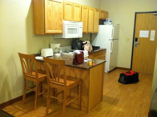 Vernon Inn and Suites: Kitchen, standard extended stay