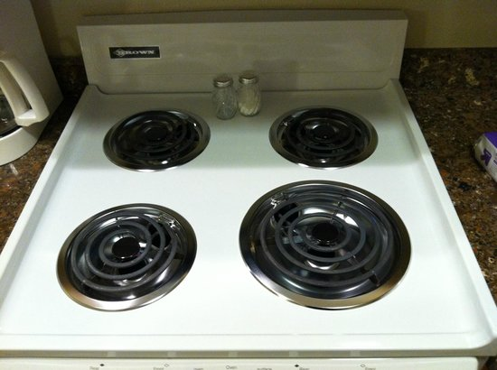 Vernon Inn and Suites: stove