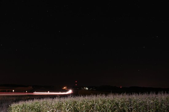 Vernon Inn and Suites : view towards Westby at night