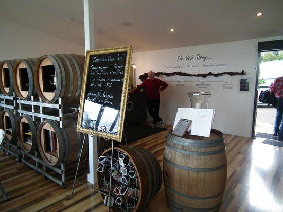 Valleybrook Wine on Wheels Tours: Velo Cellar Door near Launceston