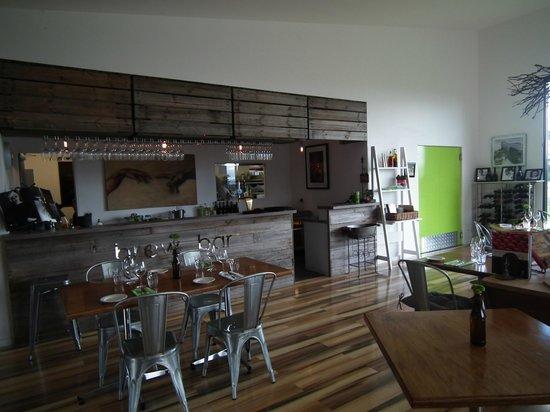 Valleybrook Wine on Wheels Tours: Velo Bar and Restaurant area