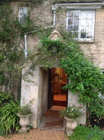The Old House, Calmsden B&B: welcome