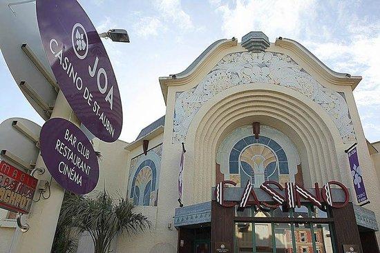 Saint-Aubin-Sur-Mer, France : Entrée par le Casino