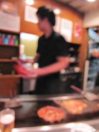 Mizuno : Okonomiyaki .. in process ...