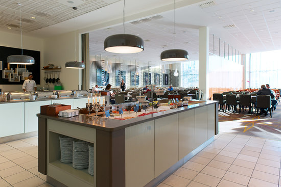 Clarion Hotel Arlanda Airport: Restaurant Runway / Breakfast Hall