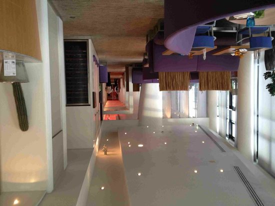 Novotel Roissy CDG Convention & Spa: hall