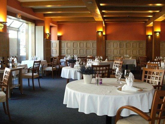 Hotel Restaurant Gilles Moreau : la salle de restaurant