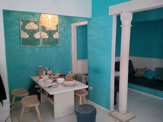 """Fresh* Sheets Hostel Dubrovnik Old Town: Breakfast area (close to """"bar"""" and reception)"""