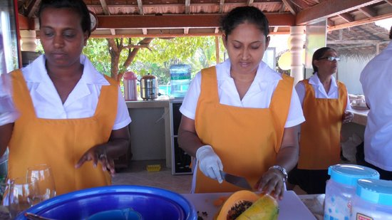 Golden Sunset: Fresh juices from Sri Lanka's wonderful fruit