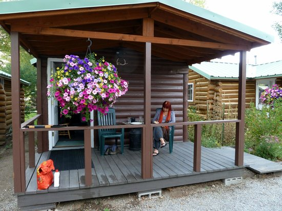 The Log Cabin Motel: relaxing