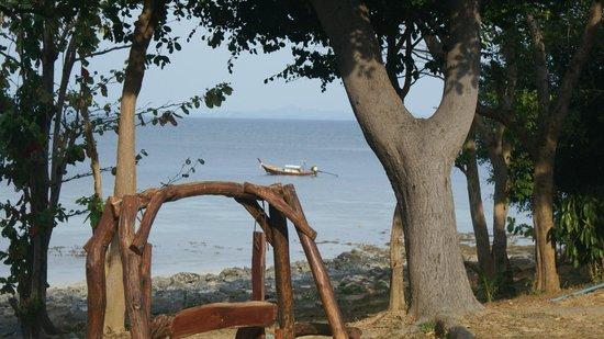 Phi Phi Natural Resort : Море