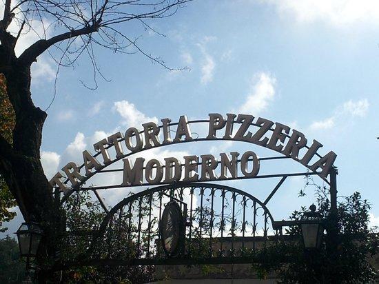 Trattoria-Pizzeria-Enocacioteca il Moderno: Ingresso