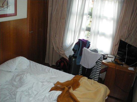 Hotel Aranea: Das ist das gesamte Zimmer!