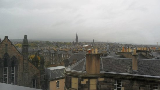 Premier Inn Edinburgh Central (Lauriston Place) Hotel : View from our 5th floor window