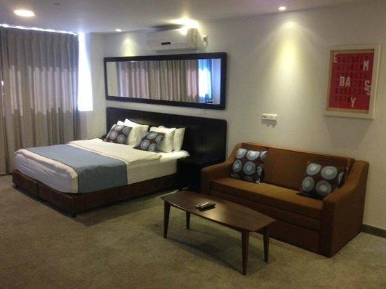 The Embassy Hotel Tel Aviv: Suite