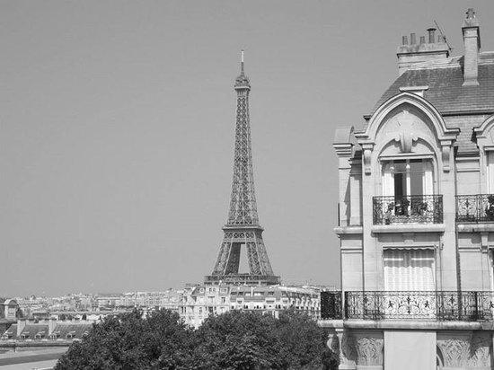 Hotel Duquesne Eiffel: room view