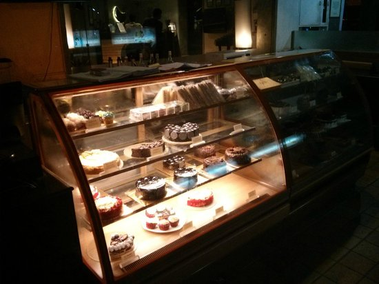 Out of the Blue : dessert area