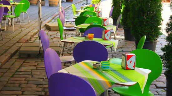 Pas Stanley: Outside tables