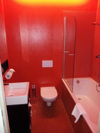 Alma Boutique-Hotel: Ванная комната